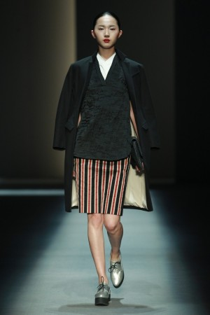 A look from the ZhuChongYun Fall 2014 collection.