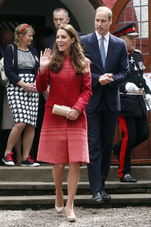 The Duchess of Cambridge in Jonathan Saunders