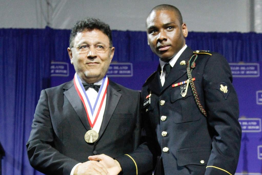 Elie Tahari receiving his medal.