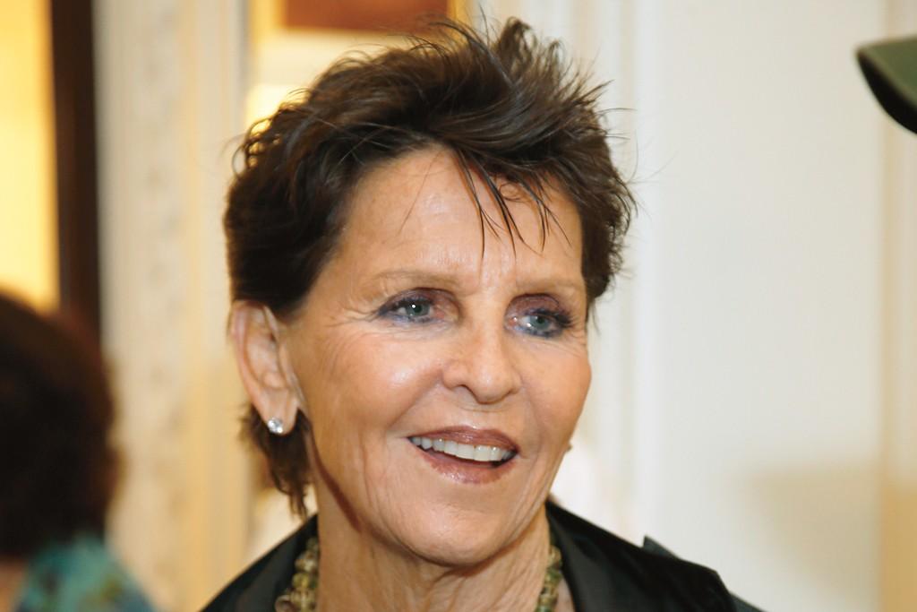 Jean Hoehn Zimmerman, CEW chairwoman, 1997 to 2001.