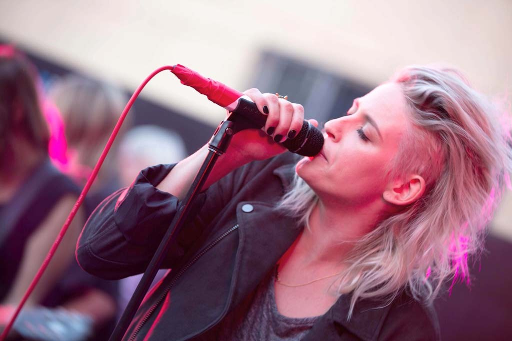 Emily Armstrong of the band Dead Sara.