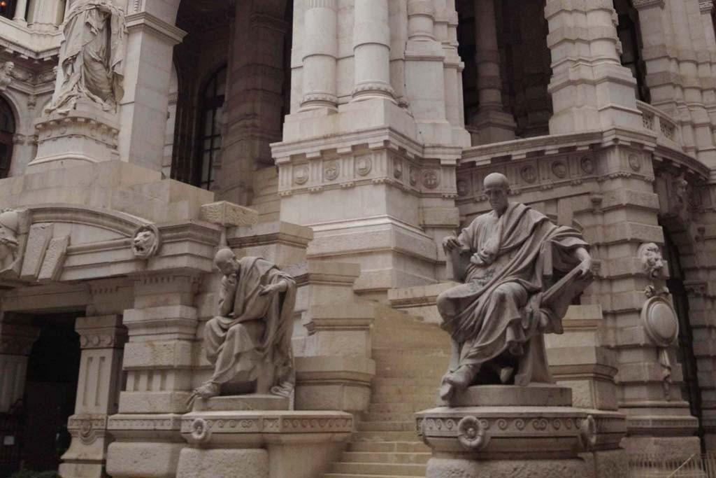 Outside the Corte suprema di Cassazione.