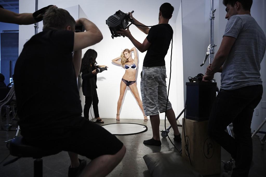 Behind-the-scenes look at Heidi Klum for Bendon.