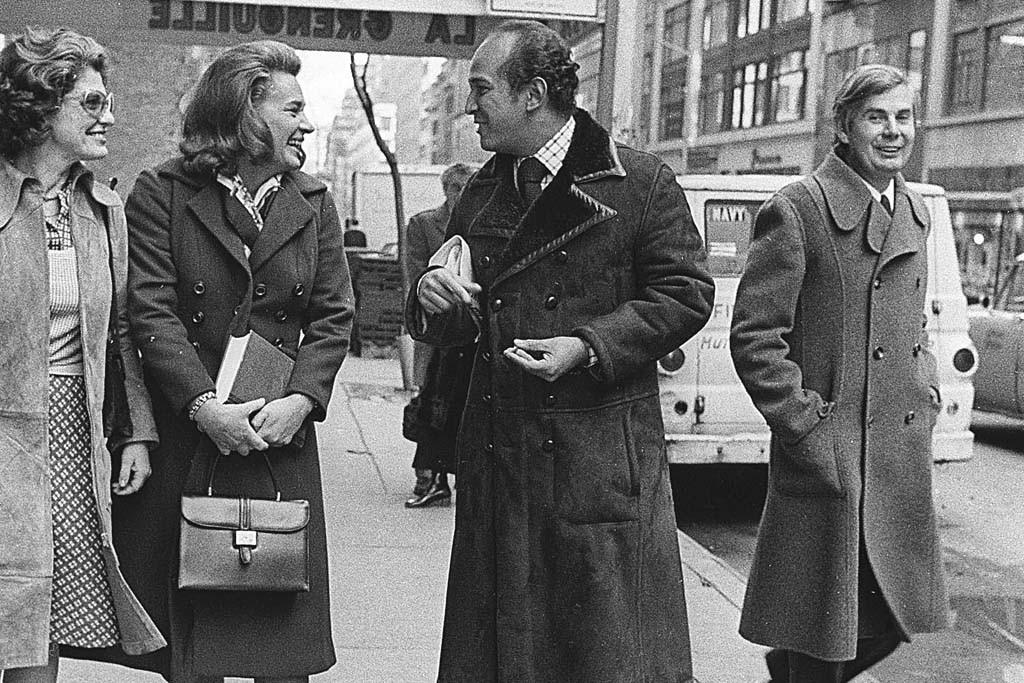 Marion Javits, Happy Rockefeller, Oscar de la Renta and John B. Fairchild.