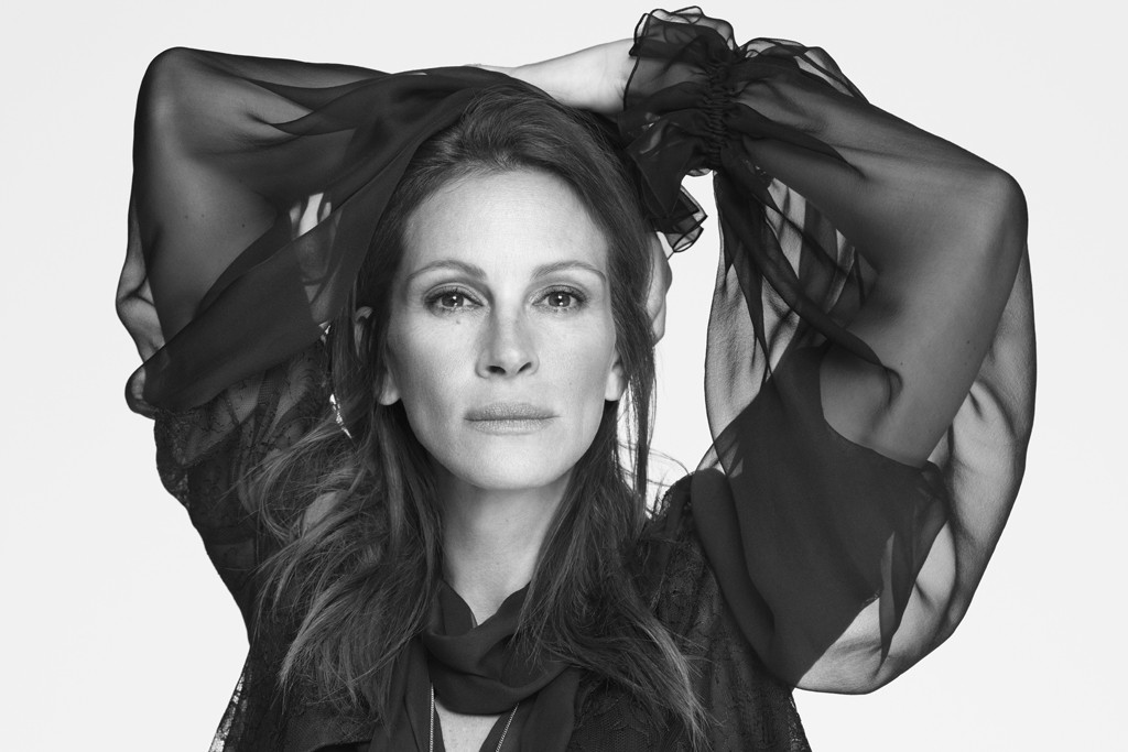 Julia Roberts in Givenchy's spring 2015 campaign, photographed by Mert Alas and Marcus Piggott.