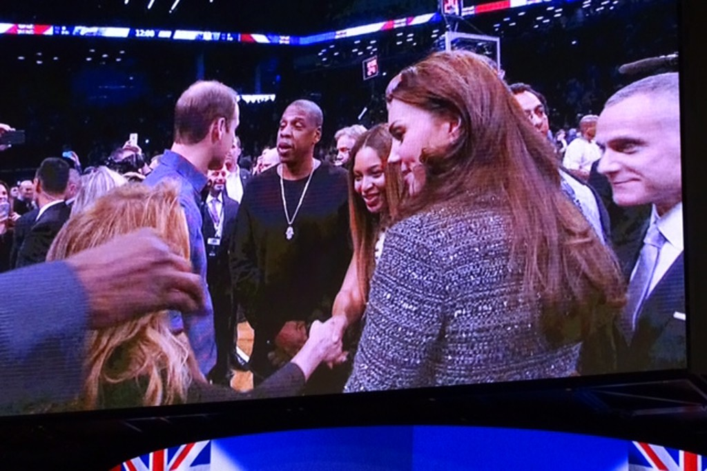 #Beyonce and #JayZ meet The Duke and Duchess of Cambridge at tonight's Nets game. #royalvisitusa #royals #nba #EichnersEye
