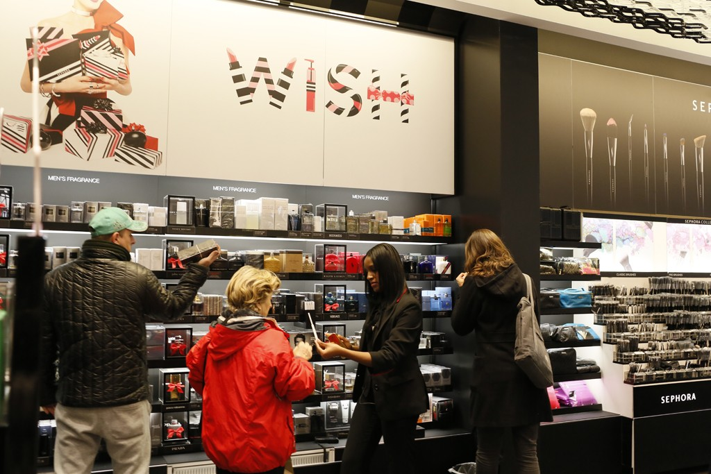 Shoppers at Sephora's 750 Lexington Avenue location.