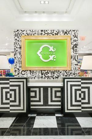 C.Wonder store.