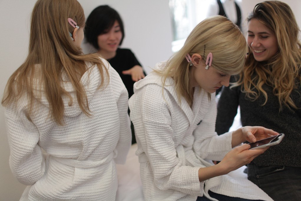 Backstage at Jil Sander RTW Fall 2015