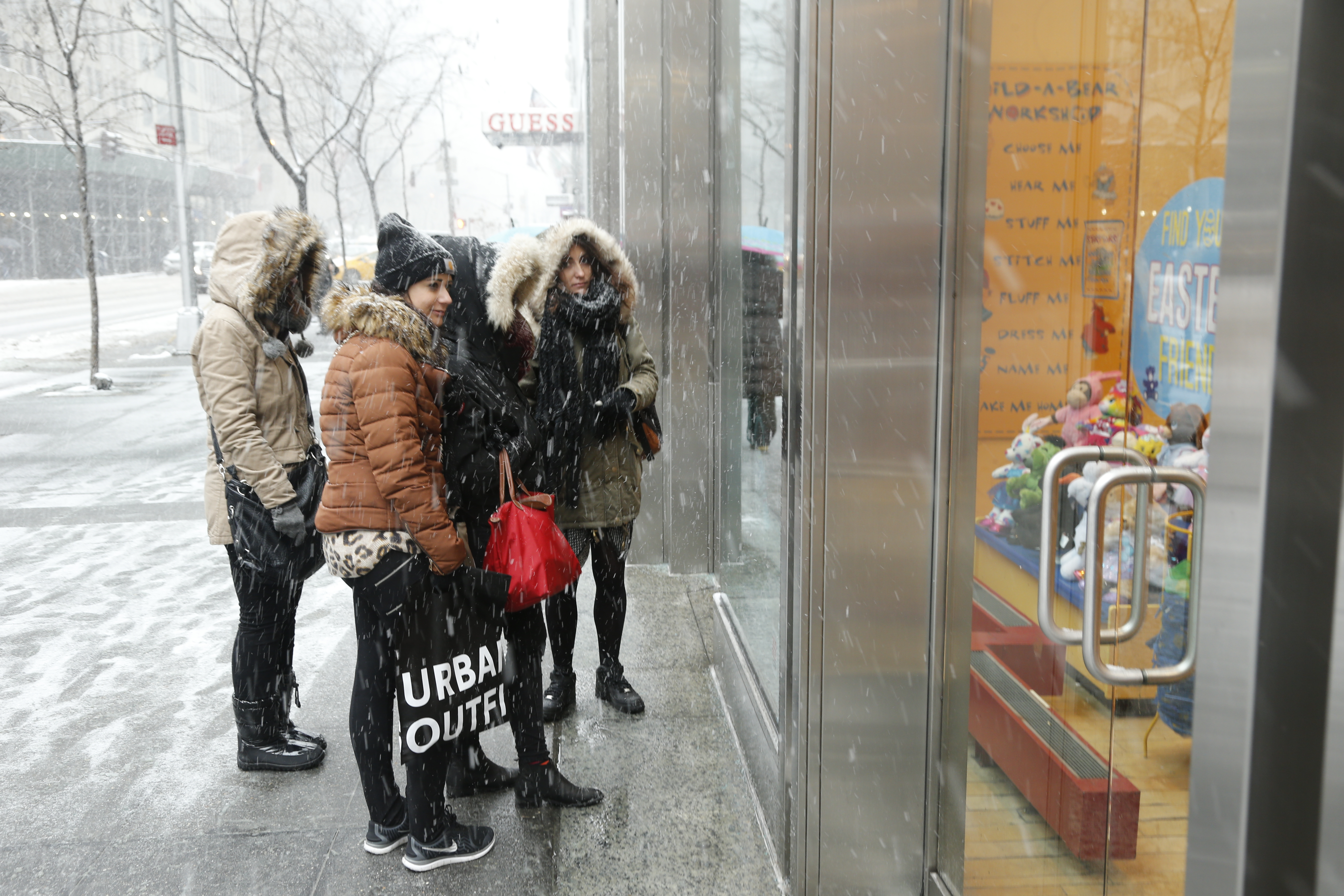 New Yorker brave the snow.