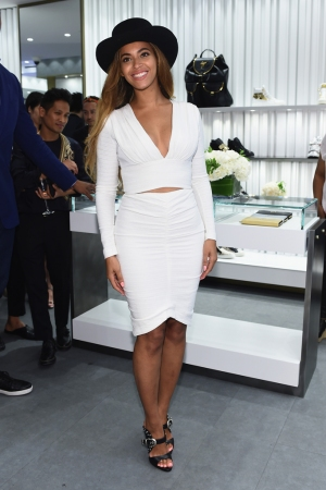 Beyonce at the Giuseppe Zanotti  Beverly Hills Boutique.
