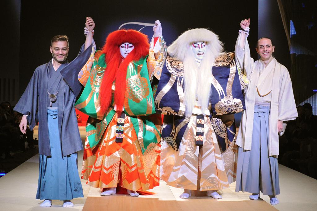 Roberto Rimondi and Tommaso Aquilano with the Kabuki performers