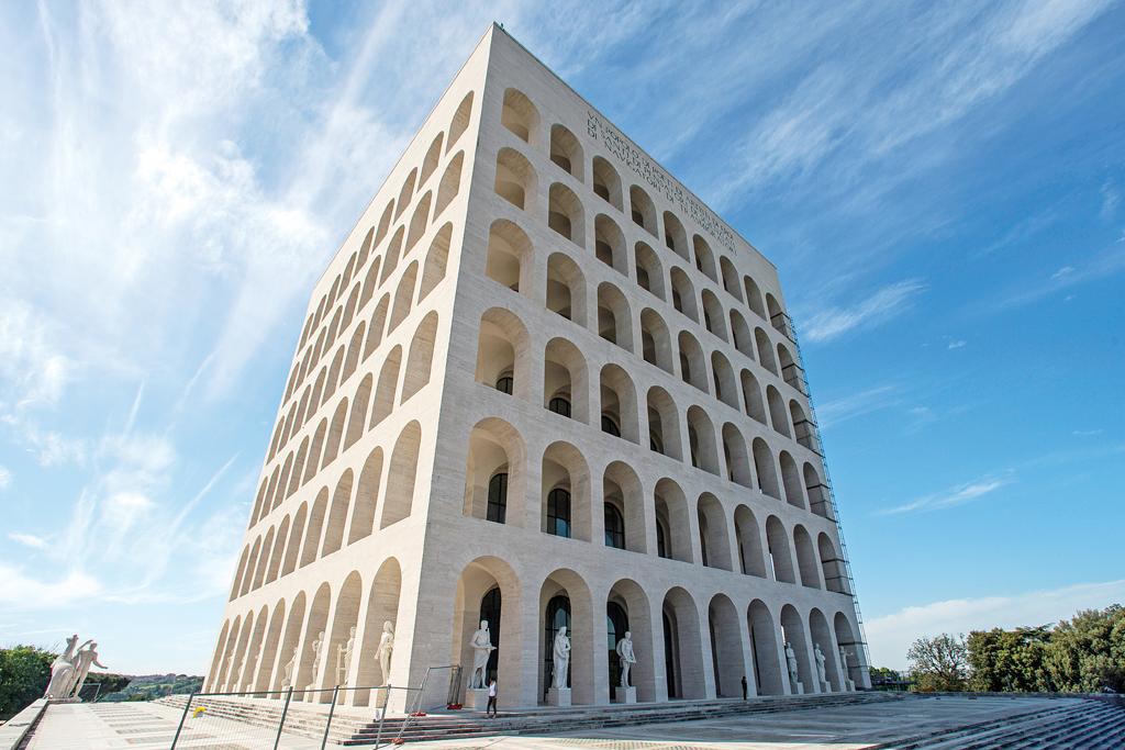 fendi roman palazzo