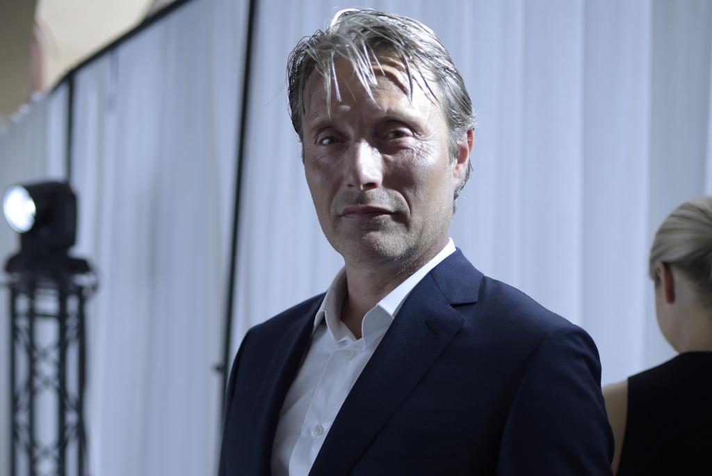 Mads Mikkelsen Hannibal talks at Brioni Men's RTW spring 2016