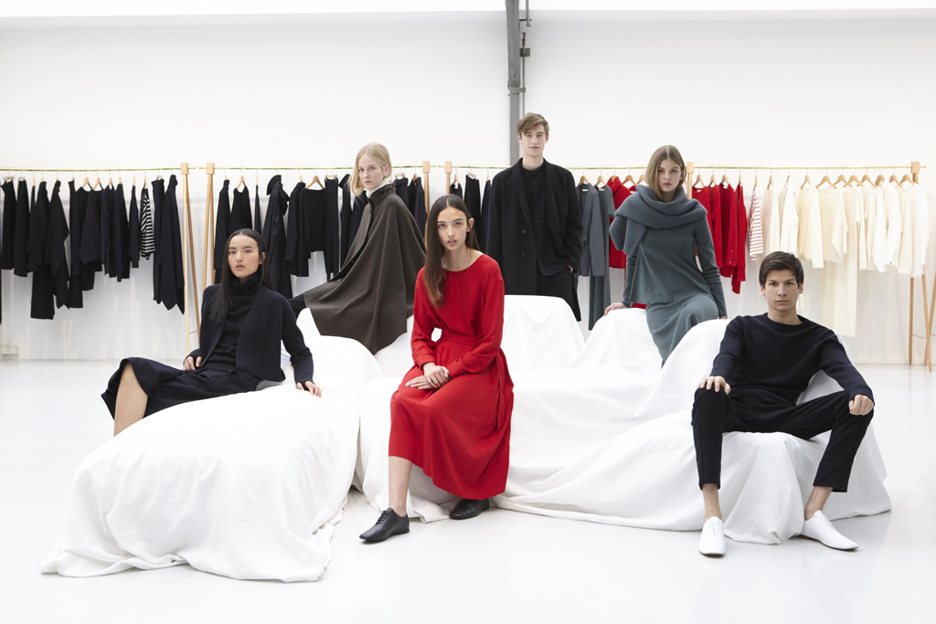 Models in looks from the Uniqlo and Lemaire collection