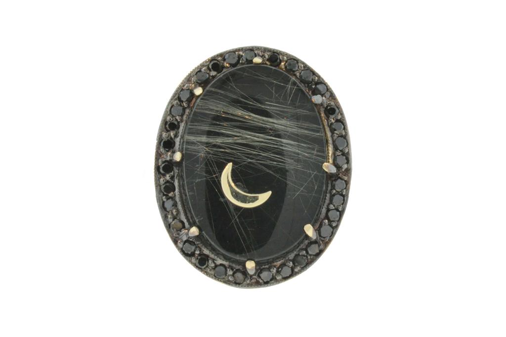 Black Onyx Jewelry Trend