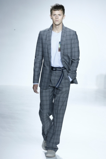 A look from Richard Chai Men's RTW Spring 2016