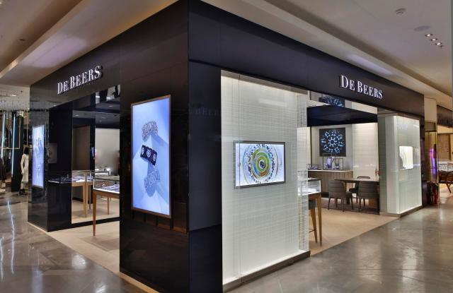 The new De Beers unit at Galeries Lafayette
