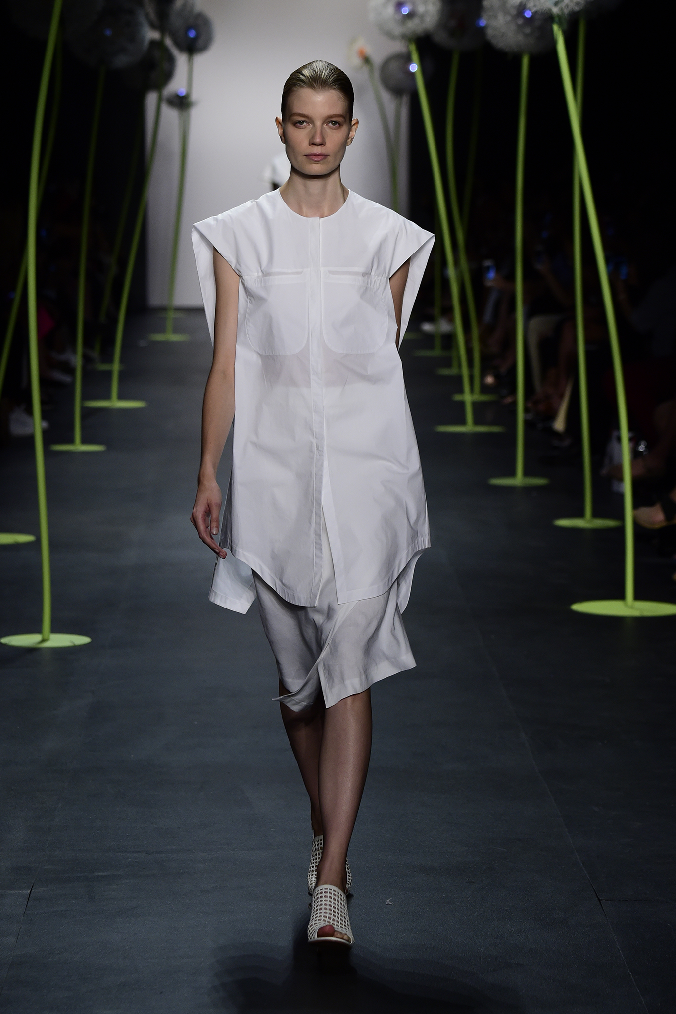 Lie Sangbong Ready To Wear Spring 2016
