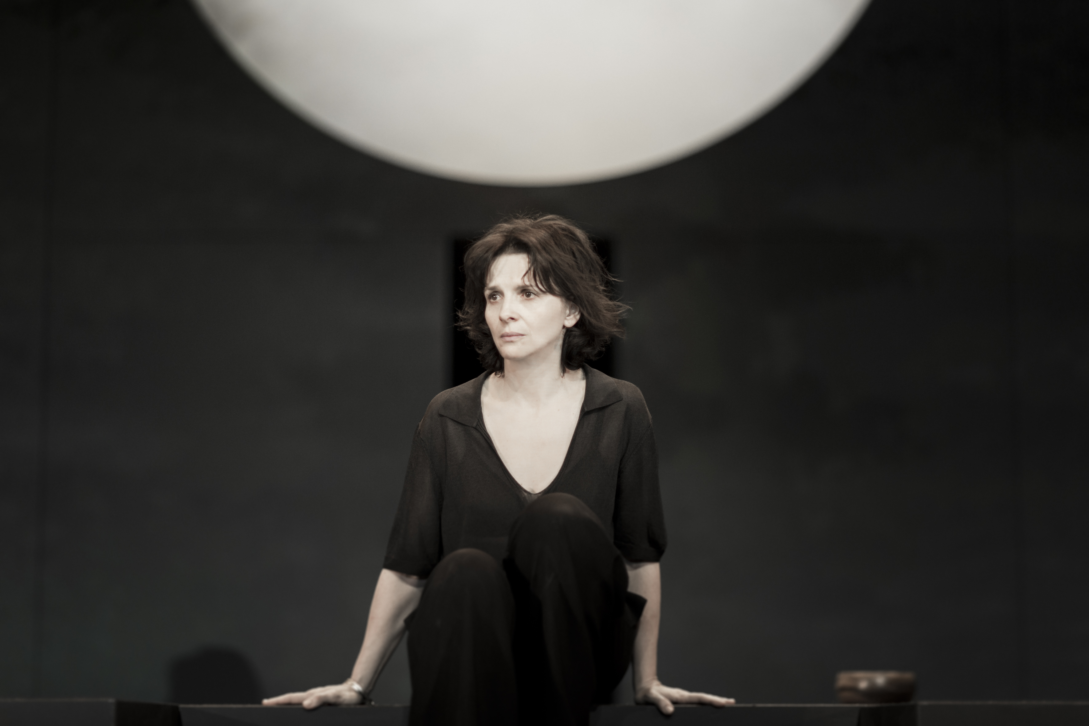 Juliette Binoche in Antigone.