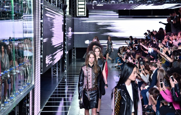 Louis Vuitton RTW Spring 2016