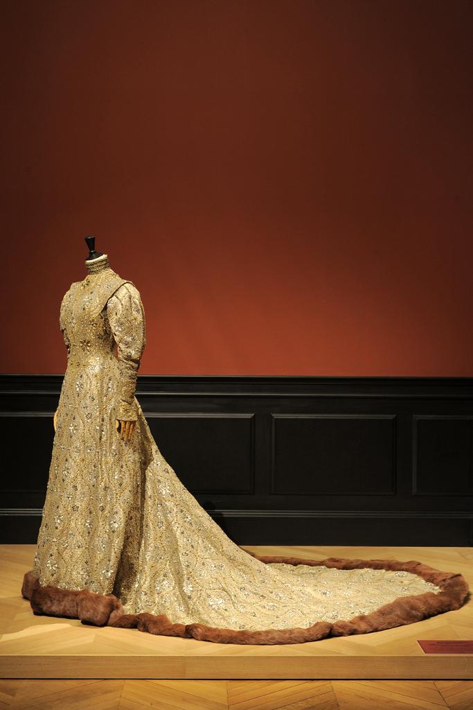 Byzantine dress by Worth, 1904