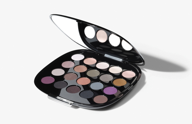 Marc Jacobs Beauty the Free Spirit Eye-Con No. 20 Plush Shadow Palette.
