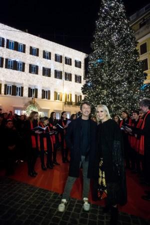 Valentino Christmas Tree Lighting - Direttori creativi Maria Grazia Chiuri Pierpaolo Piccioli