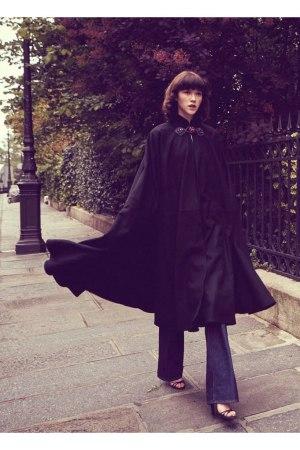 A vintage Saint Laurent cape sold on Web site Resee