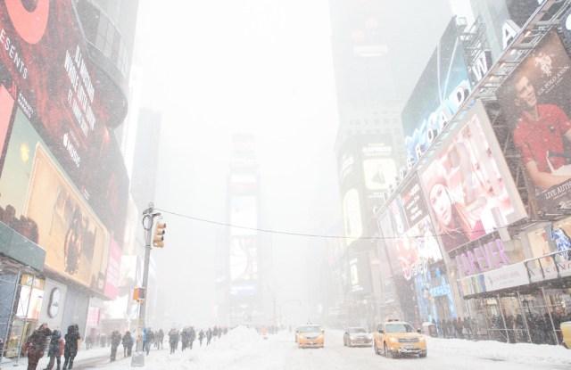 Winter Storm Jonas hits New York City 23 January 2016