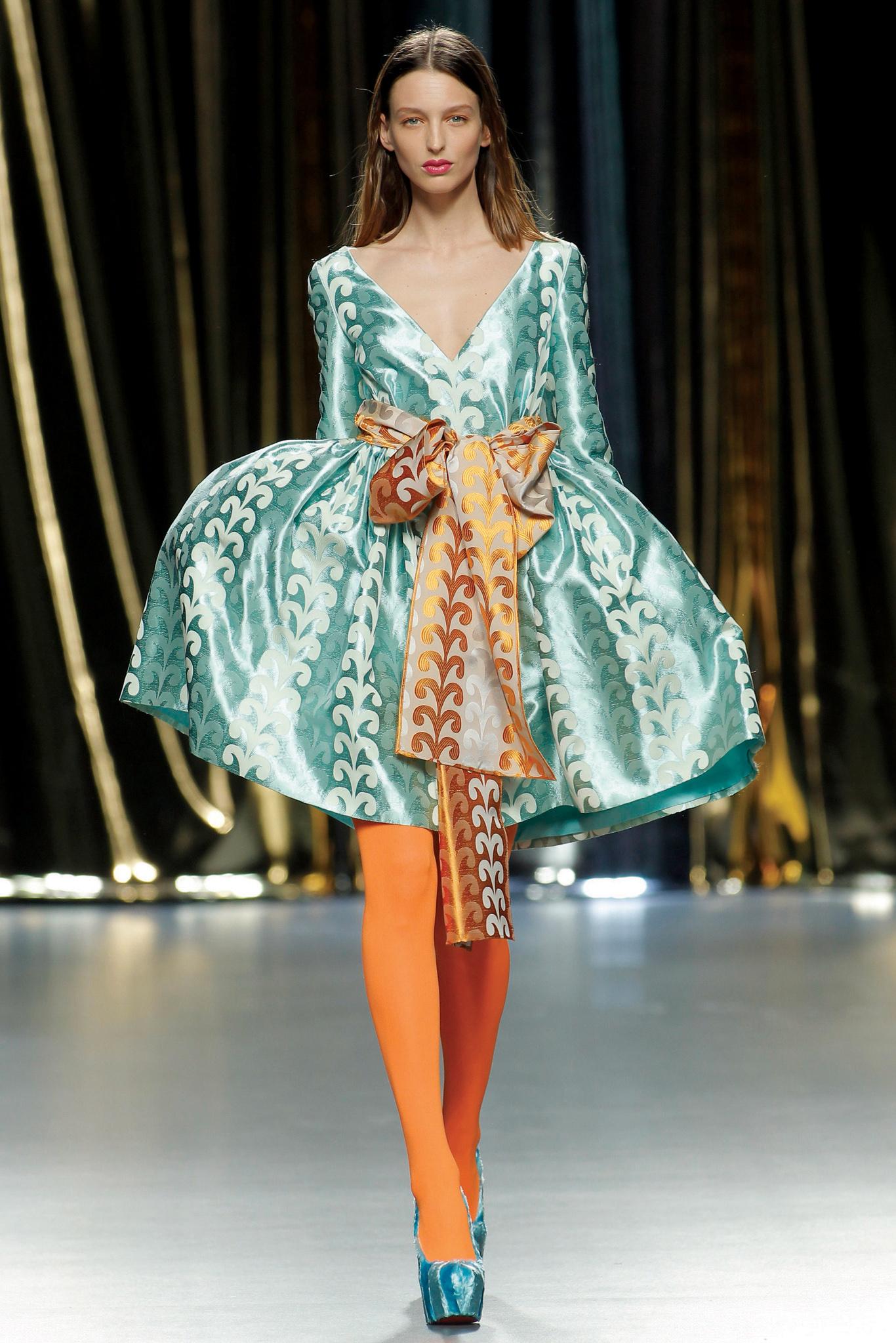 A look by Agatha Ruiz de la Prada.