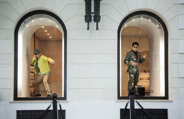 Ben Stiller and Owen Wilson pose in Valentino shopping windows in Rome