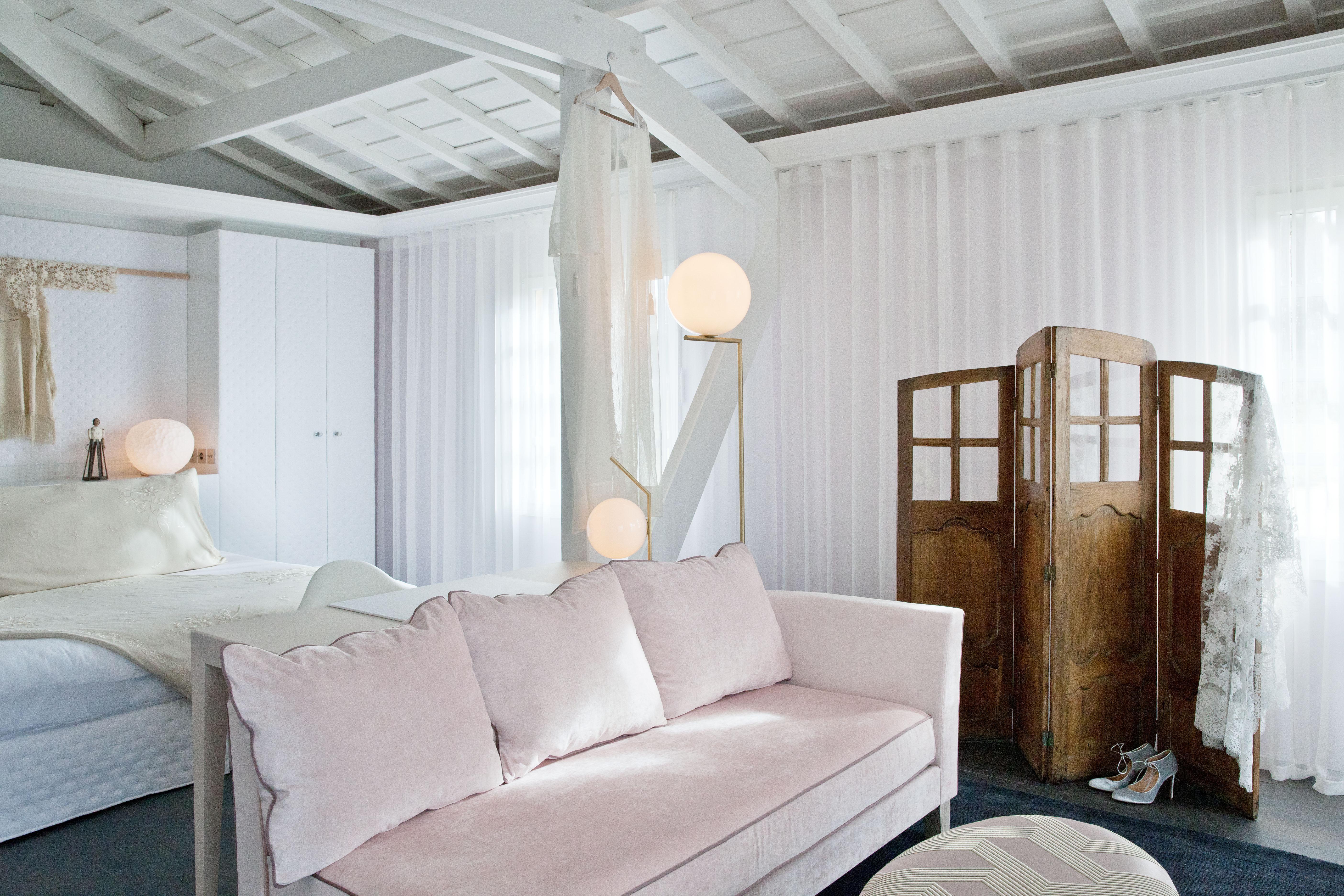 Delphine Manivet design for the Caudalie suite.