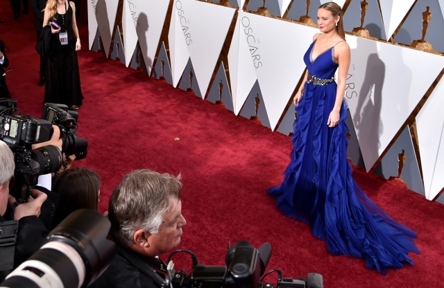 Brie Larson wears Gucci at the 2016 Oscars