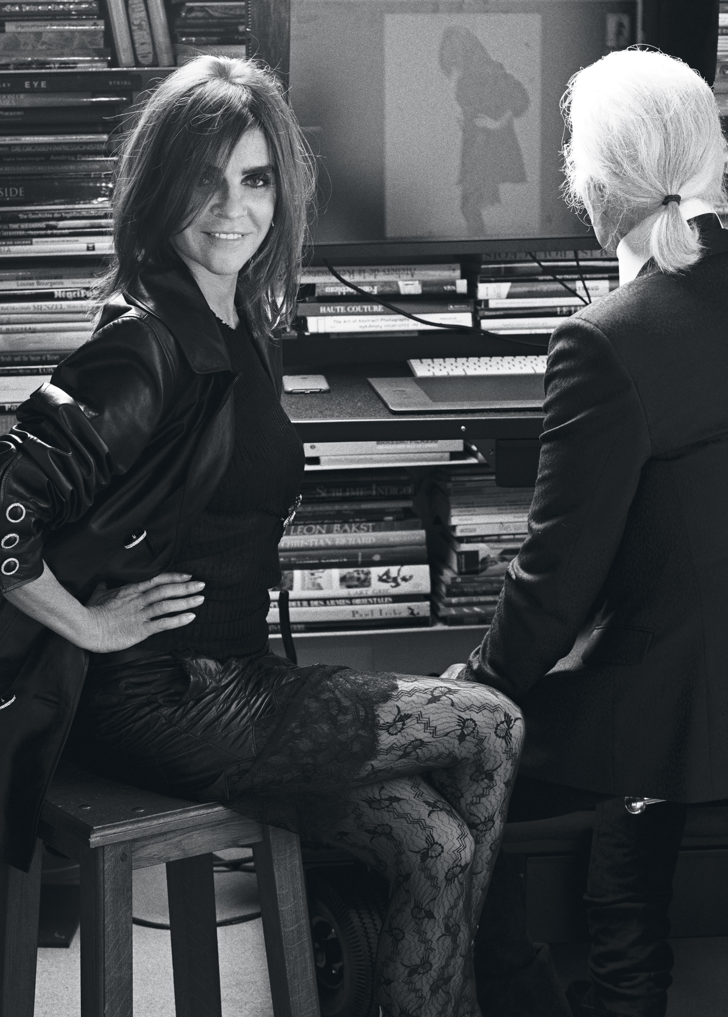 Carine Roitfeld with Karl Lagerfeld in his photo studio