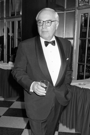 John Gutfreund pictured at the New Yorker for New York Gala at the Waldorf Hotel, 1988