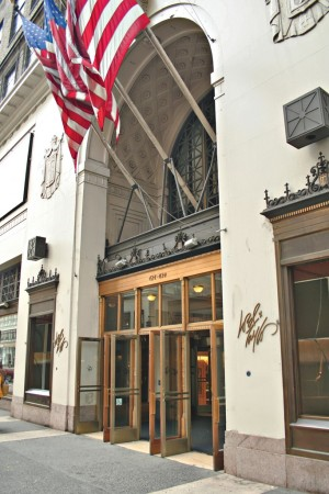 lord and taylor store