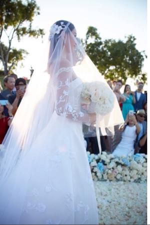 Liu Shishi in her custom Carven wedding gown.