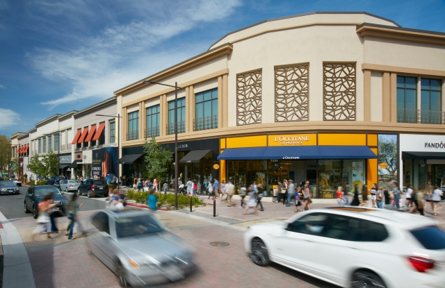A rendering of Broadway Plaza's renovation.