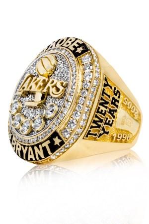 Kobe Bryant commemorative ring