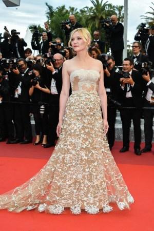 Kirsten Dunst in Valentino haute couture