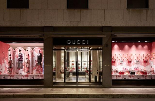 Gucci pre-fall 2016 store windows