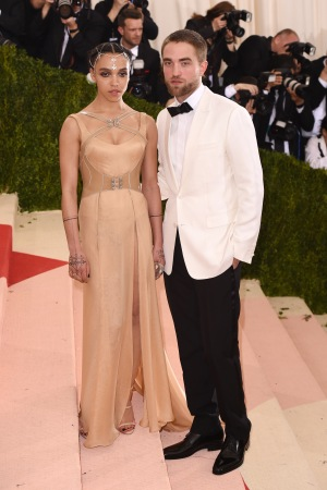 FKA Twigs in Atelier Versace and Robert Pattinson in Dior Homme at met gala 2016