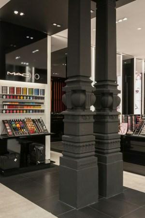MAC Pro Store on Via Dante in Milan.