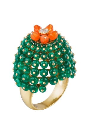 A ring from the Cactus de Cartier collection