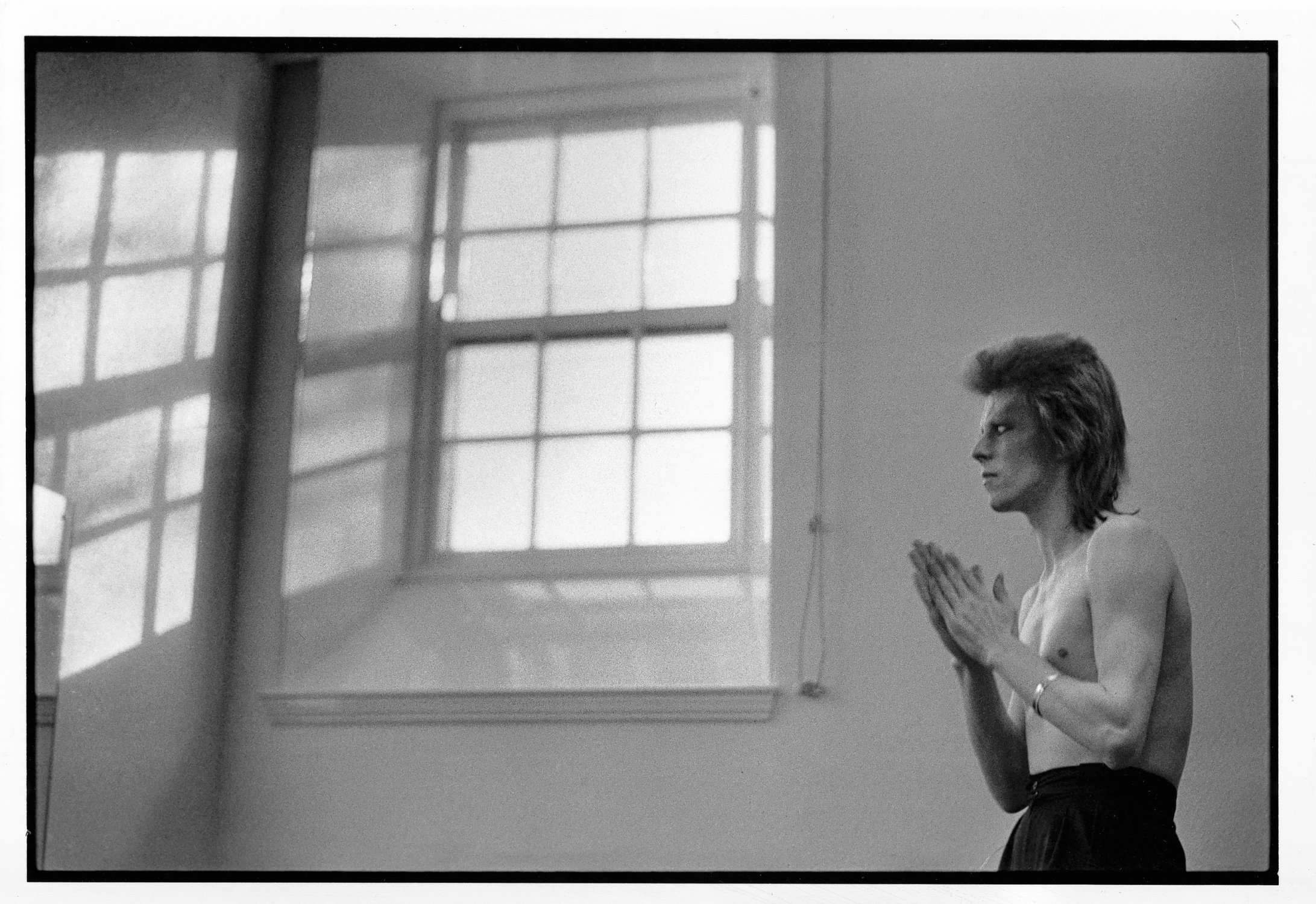 Mick Rock's photograph of David Bowie from Eddie Borgo's Paddle8 auction.