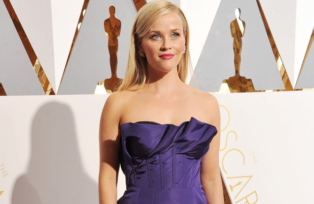 Reese Witherspoon in Oscar de la Renta designed by Peter Coppings