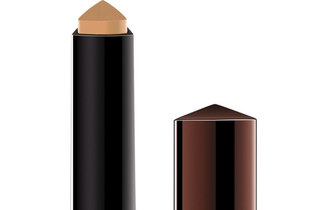 Hourglass Vanish Seamless Finish Foundation Stick.