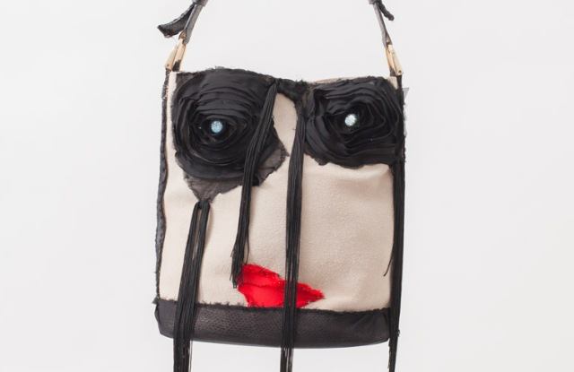 iBag2 red lips front