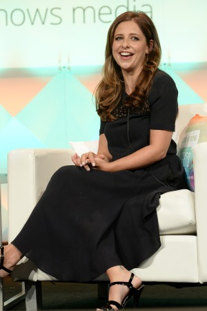 Sarah Michelle Gellar speaking a the #BlogHer16 conference in Los Angeles